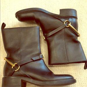 Gucci black horsebit short boot size 37
